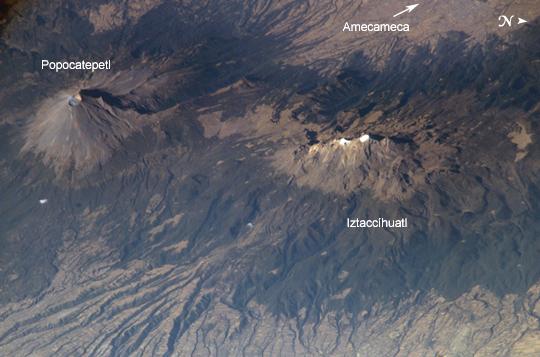 http://www.zonu.com/images/0X0/2009-09-17-1420/Volcanes-Popocatepetl-e-Iztaccihuatl.jpg
