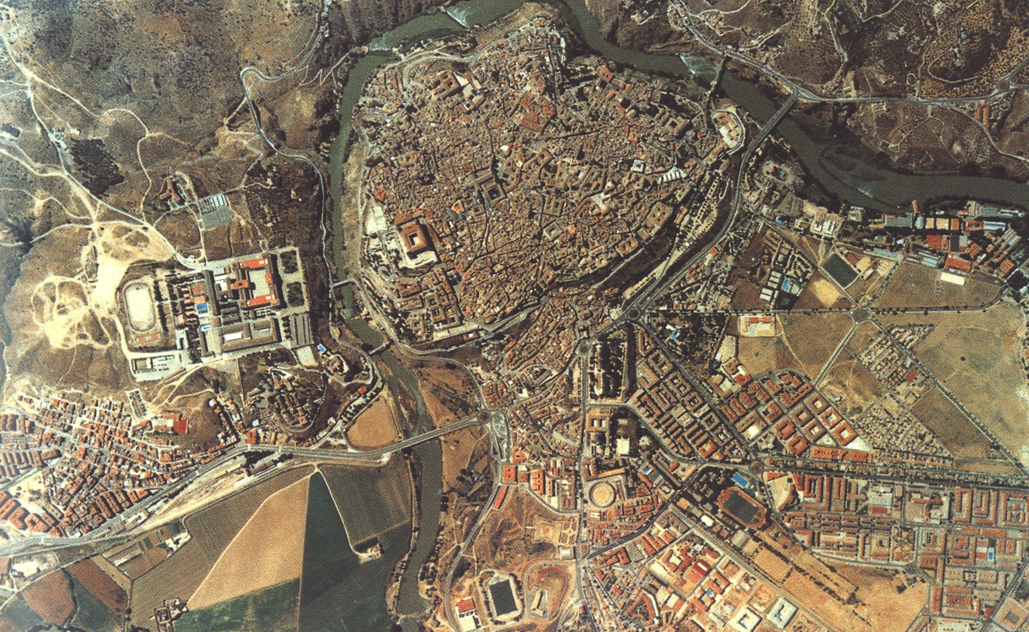 Fotograf a a rea de toledo tama o completo - Fotografia aerea malaga ...