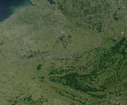 Satellite view of Belgium 2001